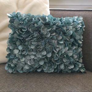 THROW PILLOW in Silk Florals